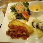 ビストロ・リヤン - ワンプレートランチ(豚肉のピカタ、オレンジの爽やか冷製スープ) 2013/9/15