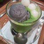 ナナズグリーンティー - 黒胡麻白玉フローズン¥630