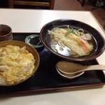 びっくりうどん 三好野 - おこのみセット(親子丼&天ぷらうどん)750円