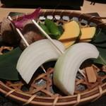 黒毛和牛一頭切り 伊達哉 - 宮城県産粋な焼き野菜盛り合わせ