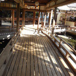 新井旅館 - ロビー方向を望む