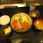 とんかつ 一富士 - ランチロースカツ定食1,500円