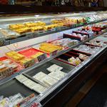 伊勢屋豆腐店 - 冷蔵ショーケース