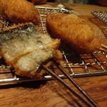 23467818 - 秋刀魚と?