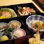 馳走庵 薮本 - 錦御膳の小鉢部アップ。お正月なので上品なおせち料理でした。