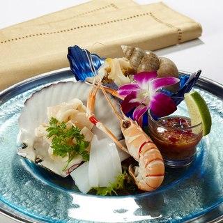 東京丸の内ビル35階伝統的タイ料理を極上の夜景とともに