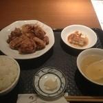 chuukaryourihisuien - 日替わり定食。本日は唐揚げ定食。