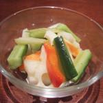 ガネーシュ - ディナーコース(2500円)の季節野菜のピクルス
