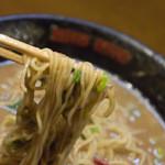 無鉄砲  - 細ストレート麺リフト