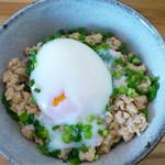 うどん日和 - 鶏そぼろミニ丼。