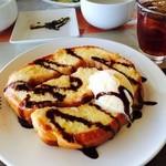 うぷんみ - 渦巻きパンのフレンチトースト。