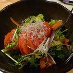 こらぁ源 - 【冷やしトマトのじゃこのせサラダ】