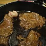 肉料理ひら井 - 出来上がりのお肉だけを頂きます