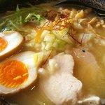 鶏翔 - 濃厚鶏白湯味玉のせ大盛り