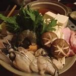 食彩や 魚太郎 - 魚太郎の寄せ鍋 牡蠣増し!