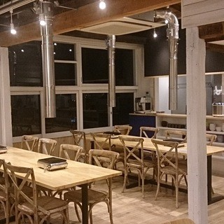 今までの焼肉店では考えられなかったカフェの様な空間♪
