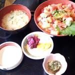 23489681 - 鮮魚たたき丼