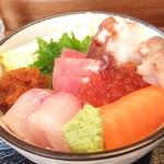 23489748 - ランチ C 海鮮丼 + 小そば 850円 海鮮丼 【 2014年1月 】