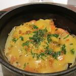 レストラン ラ フィネス - スコットランド産スモークサーモンと雲丹とユリ根のグラタン