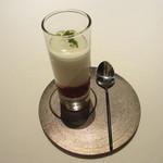 レストラン ラ フィネス - フランボワーズのスープ、フロマージュブランのエスプーマ
