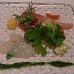23495313 - 一品目の前菜 天然鮮魚のカルパッチョ