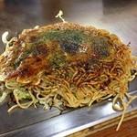 広島風お好み まっちゃん - 肉玉そば650円