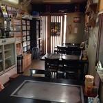 広島風お好み まっちゃん - テーブル3卓