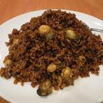 23505674 - 海蛎黒炒飯(カキ入り黒チャーハン)