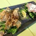 文化亭 - DUO前菜(水菜と蒸し鶏のサラダと生ハムシーザーサラダ)