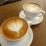 ネイバーフッド アンド コーヒー - カプチーノ 460円