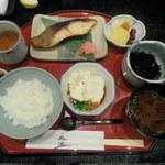 23511033 - 鈴波定食:寄せとうふ付き