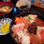 郷土料理 ひろ瀬 - 羅臼前浜丼