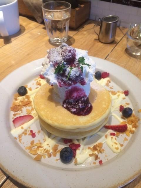 ジェイエスパンケーキカフェ ラゾーナ川崎店 - ベリーベリーチーズパンケーキ