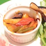ヴィヴィ ヴェルデ - 前菜盛り合わせ:野菜のトマト煮込みのカポナータ '13 12月中旬