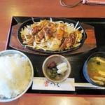 和食や 吉べえ - 鳥の山賊焼き定食(大盛)¥880