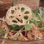 鉄板家Act - 人参・蓮根・かぼちゃなどの野菜チップスがいっぱい