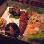 個室・炉端料理 かこいや - 前菜:秋刀魚八幡巻、毬栗、海老花野菜串、烏賊蓑揚げ、蓮根煎餅、他