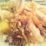スリランカ料理 ラサハラ - 海老のスープは最高に美味いバージョンのセイロンプレート