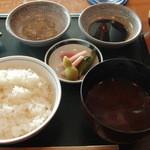 23530577 - お肉のタレ各種&ご飯