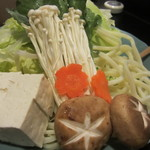 ちゃんこ料理霧島 - 野菜は白菜とキャベツ