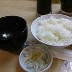 勝烈庵 - アサリの赤だしとご飯