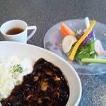 フェルム・ソレイユ - 当店人気NO,1!!ビターなコクの熟成黒ハヤシライス♪ボリューム満点。