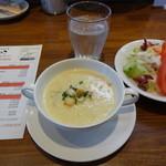 かねこ - スープ・サラダ