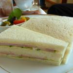 アミー - 一般のサンドイッチ