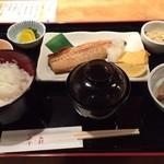 春夏秋冬 季の庭 - 焼魚定食(塩鯖):1000円