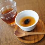 23541344 - チェックイン待っている間、紅茶とプリンを提供してくださいました。