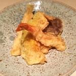 和食 まつむら - 天ぷらもございます!(海老、穴子、きす、野菜2種)