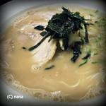 大竜軒 - ラーメン。写真ではわかりにくいですが、もやしも多く入ってます。