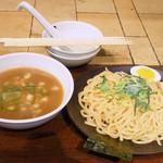 牛角 - 牛骨つけ麺(大盛り無料) 690円