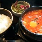 金燈園 - 金燈園青山店(海鮮チゲ定食)